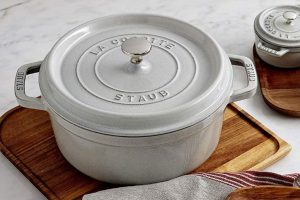 Staub dutch oven review